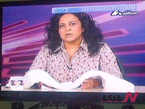 حاملة كفنها.. قطع الارسال عن مذيعة بالتليفزيون المصري اثناء هجومها على مرسي