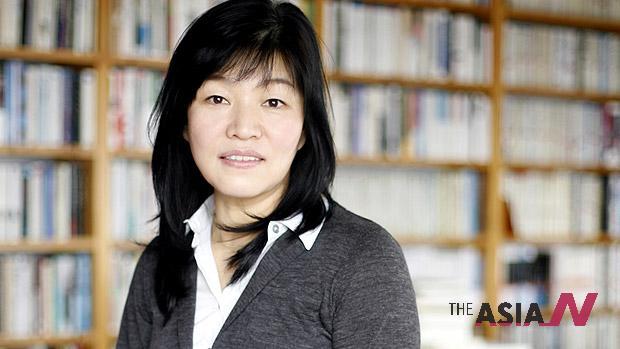 """الكاتبة """"كيونغ سوك شين"""""""
