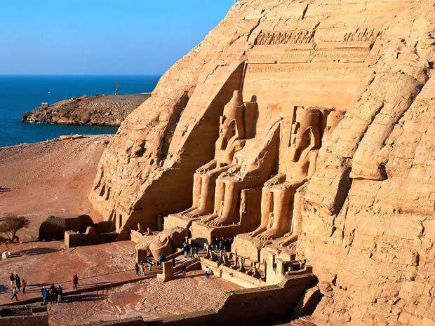 ائتلاف السياحيين يناشد مرسي لكي يكون رئيسًا لكل المصريين