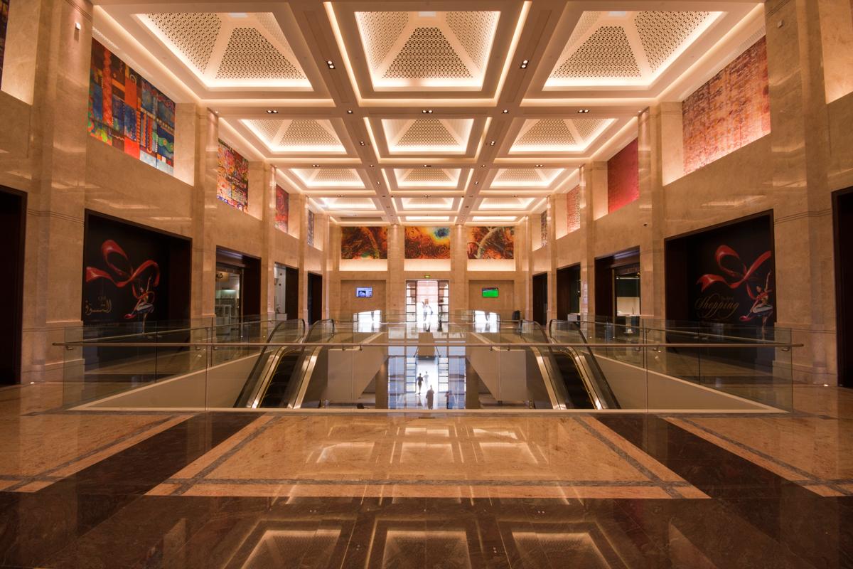 افتتاح رواق التسوق في دار الأوبرا السلطانية
