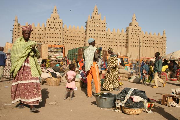 هل تدق طبول الحرب بالساحل الإفريقي؟