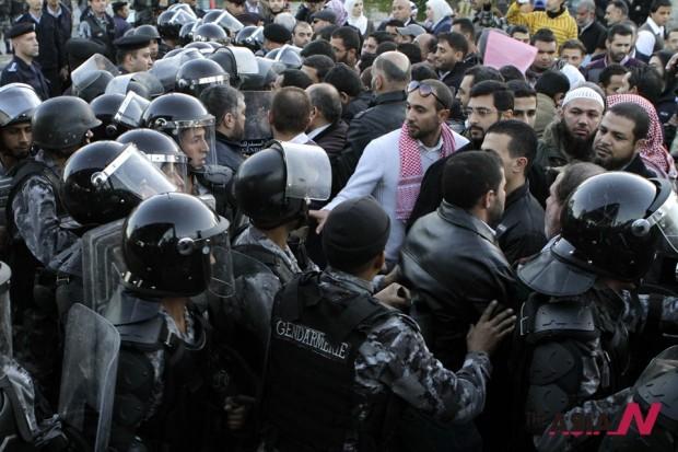 احتجاج أردني على رفع أسعار الوقود