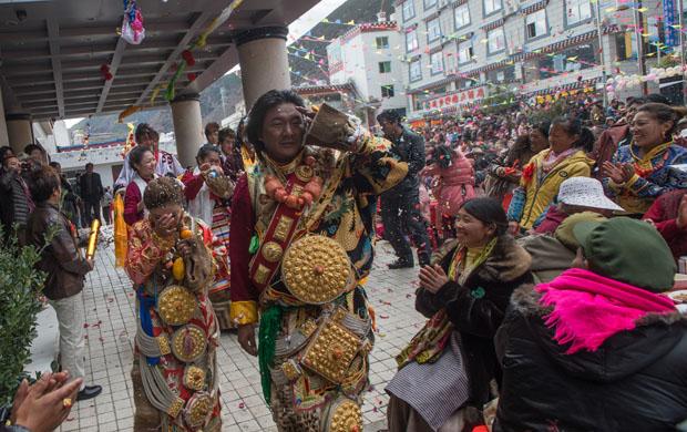 التبت : الزواج فوق سقف العالم