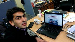 الصحافي التركي ألباجو سيناسي يهنيء آسيا إن في عيدها الأول