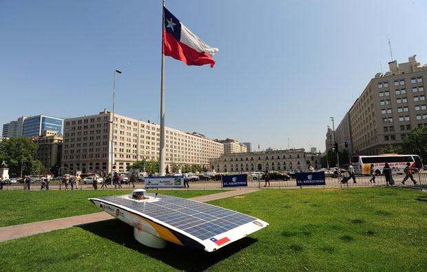 تشيلي: سباق للسيارات الشمسية