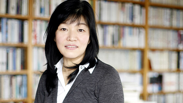 """ملحمة عن الأم في """"أرجوك إعتنٍ بأمي"""" للروائية الكورية كيونغ سوك شين"""
