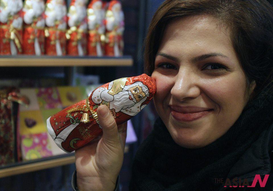 ميري كريسماس طهران: إيران تستقبل بابا نويل