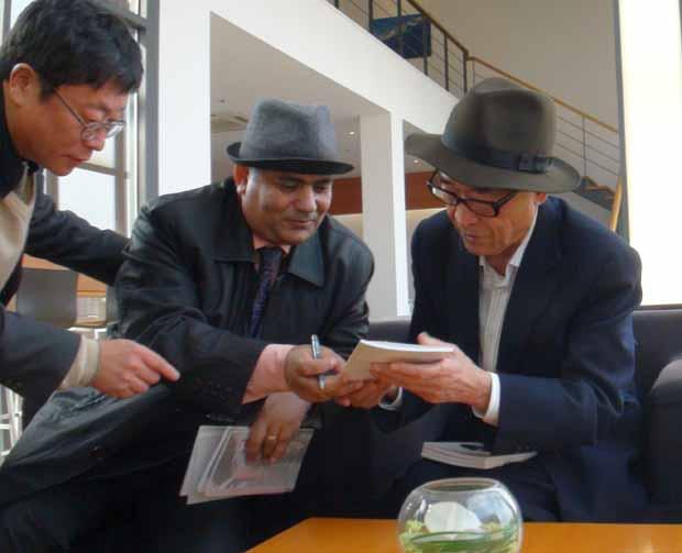 الشاعر الكوري (كو أون) يهدي العالم ألف حياة وحياة