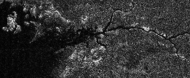 إكتشاف نهرالنيل الأصغر على قمر تابع لكوكب زحل