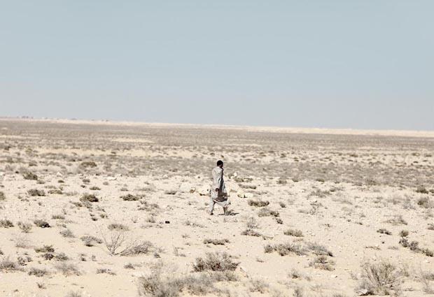 الألغام في صحراء مصرالشرقية والغربية: رؤية تاريخية ومستقبلية