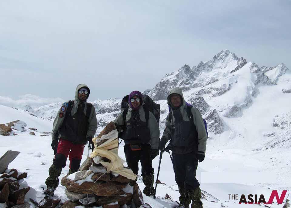 فيلم وثائقي يكشف أخطر رحلة فوق أعالي الهيمالايا