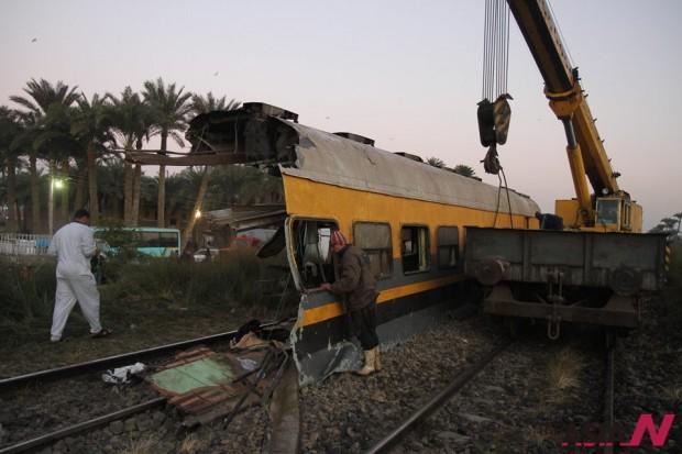 غداة مقتل 19 شخصا واصابة 107 في حادث قطار في مصر:  قتلى وجرحى بالعشرات في حادث قطار ثان، وانهيار عقارين
