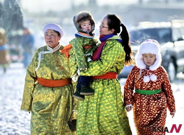 منغوليا: أزياء تقليدية وتكنولوجيا عصرية وأعياد أخرى