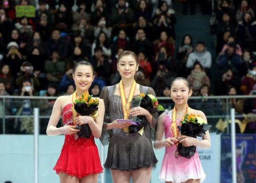 المتزلجة كيم يونا تفوز بلقب محلي وتتأهل للبطولة العالمية