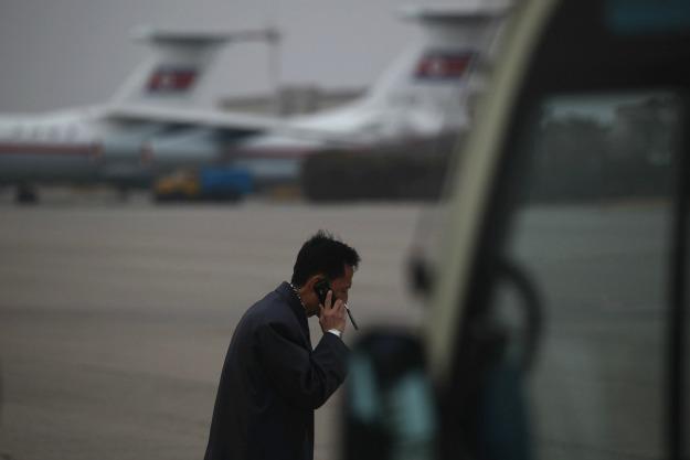كوريا الشمالية تسمح للزوار الأجانب باحضار أجهزة هاتف محمول