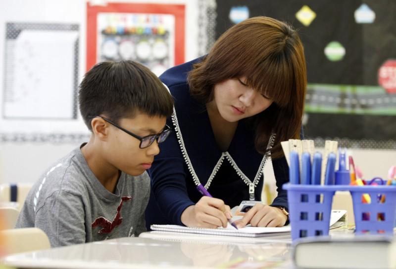 كوريا الجنوبية: زيادة المعلمين في سن 50-60 وانخفاض الشباب