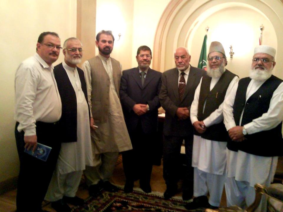 ما هي علاقة رئيس مصر بالجماعة الإسلامية الباكستانية؟