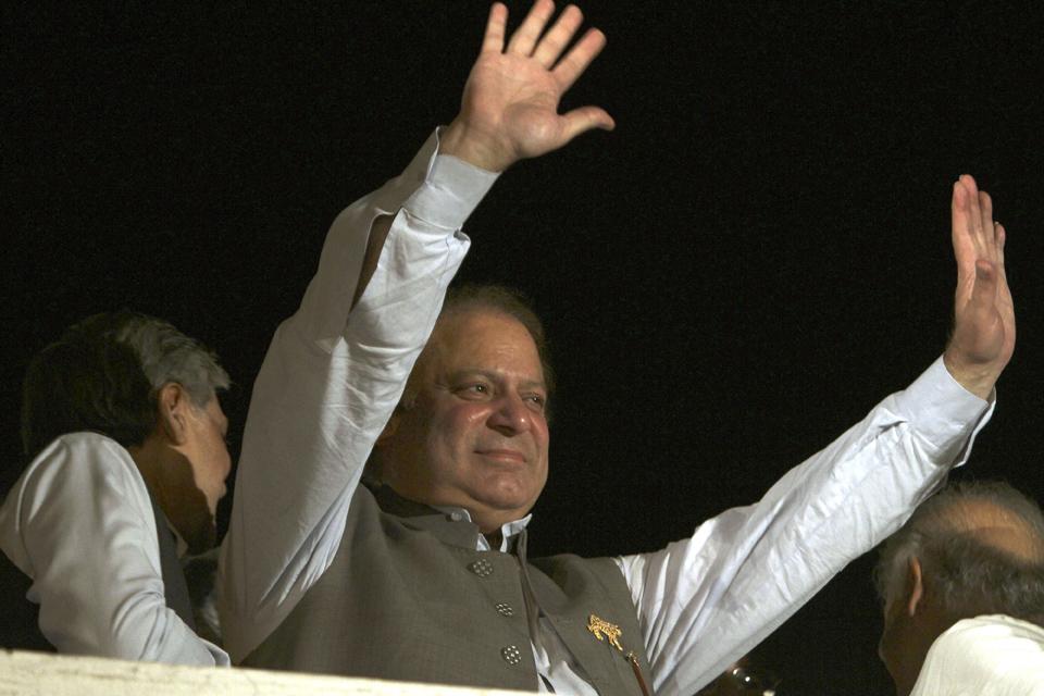 هل ينقذ أسد البنجاب الاقتصاد الباكستاني؟