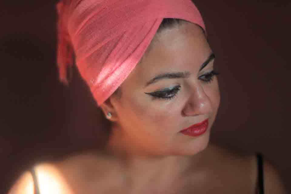 ربى زيدان تغني للأم والحياة على أنغام موسيقى الجاز الكلاسيكية