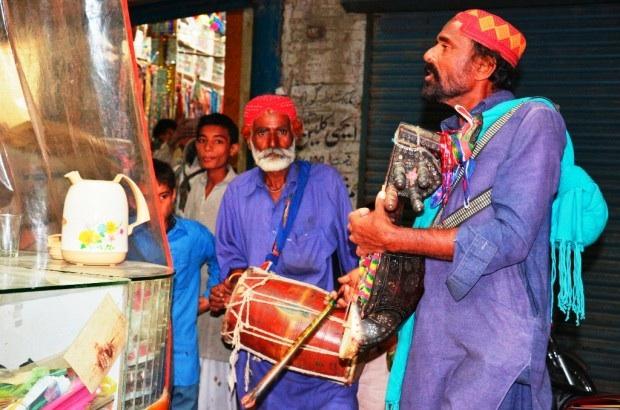فنانو الشوارع في باكستان
