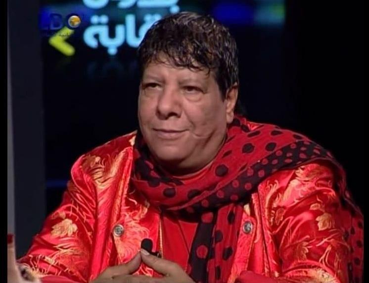 شعبان عبد الرحيم يغني (السيسي دكر)، وينتقد الحكومة والبرادعي وباسم والإخوان وأوباما