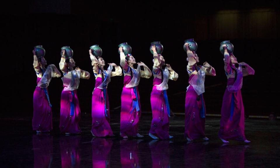 مهرجان فنون آسيا: الطرق إلى الفردوس