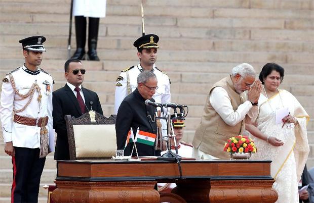 رئيس الوزراء الهندي المنتخب ناريندرا مودي يشكر بوتين ويتجاهل أوباما
