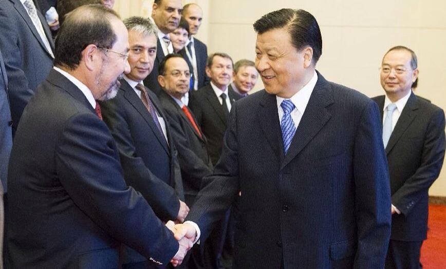 مبادرات صينية لصالح طريقي الحرير البري والبحري