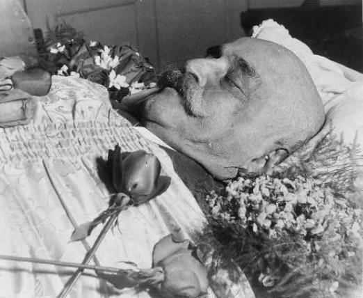 """الشيخ شرف الدين الداغستاني … جورج غوردجييف (Gurdjieff)  """"قد يجمع الله الشتيتين"""""""
